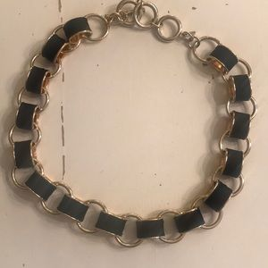 Banana republic gold black chain necklace